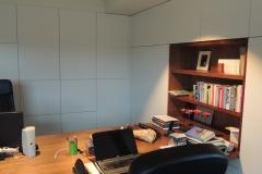 Bureau in notelaar fineer